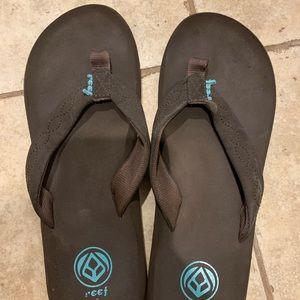 Womens sz 9 Reef flip flops